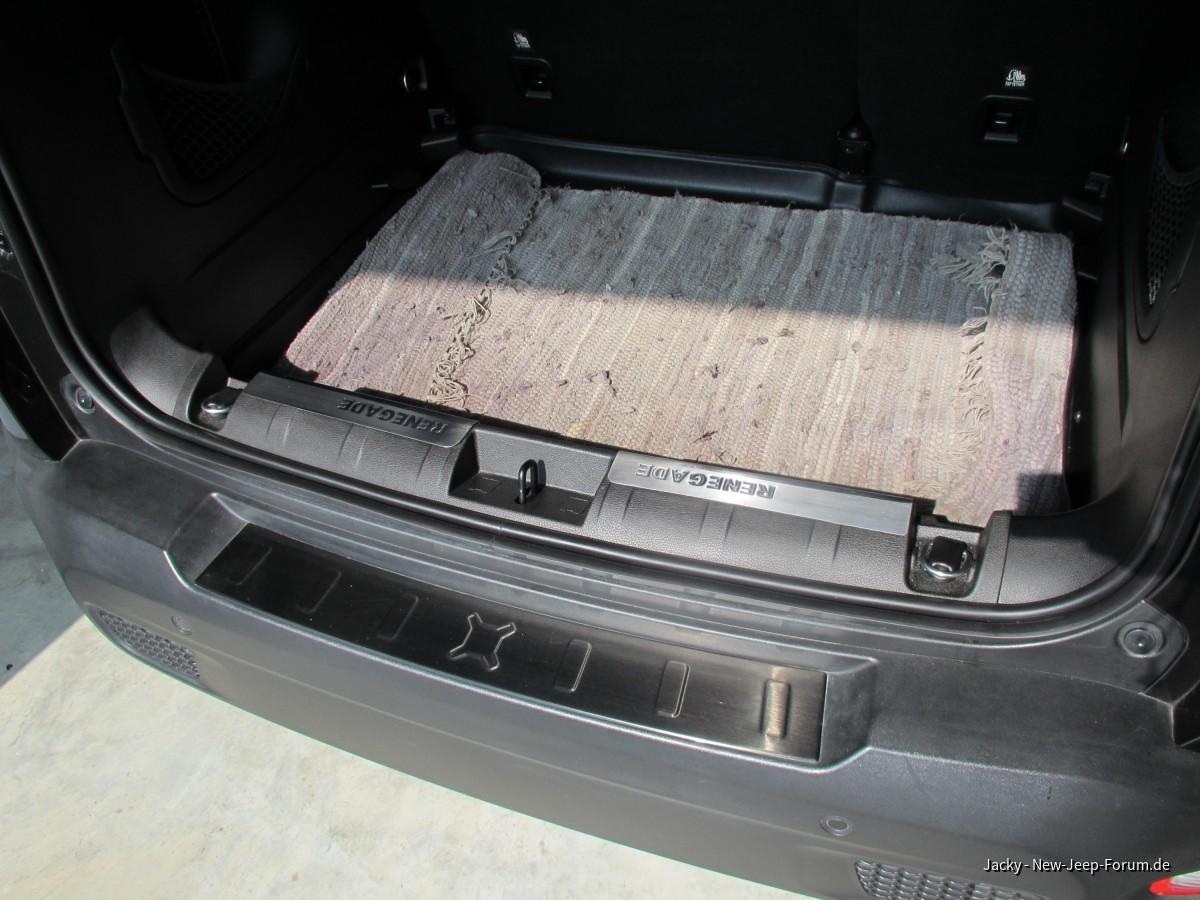 Einstiegsleisten als Kofferraumkantenschutz