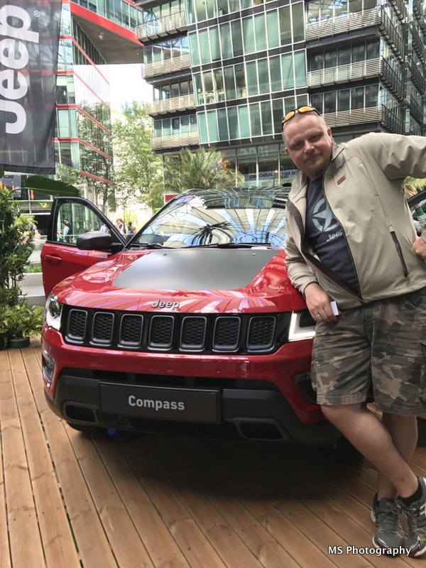 Compass Recalculating Tour Berlin - Trailhawk